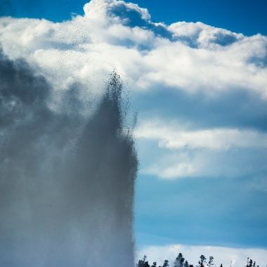 Yellowstone National Park, Old Faithful geyser eruption