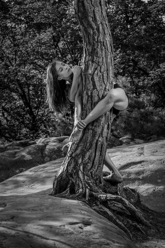 Light & shadow with Natasa Dudar, dancer Leipziger Ballet (Berdorf 18.7.202)