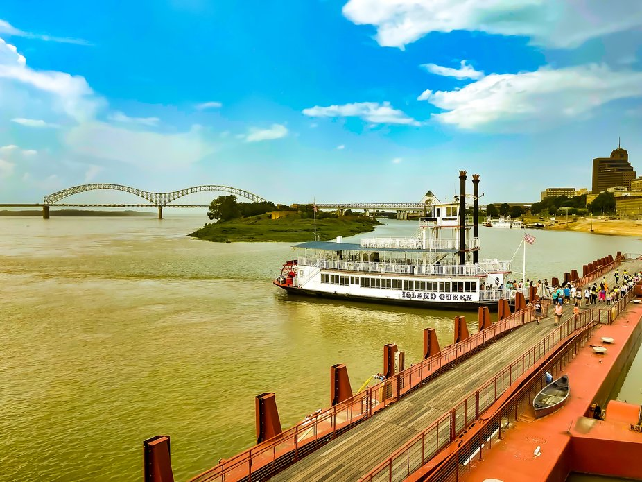 The Island Queen Riverboat on the Mississippi River in Memphis Tennessee with the Bass Pro Pyramid in the background. 7/2021
