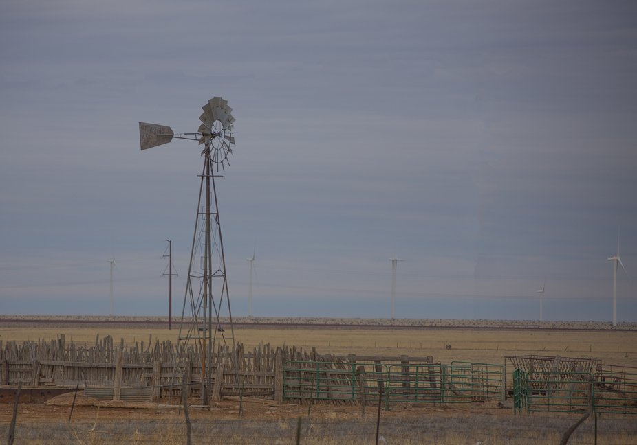 Windmill  I-40 West of Vega,TX  A16A4698