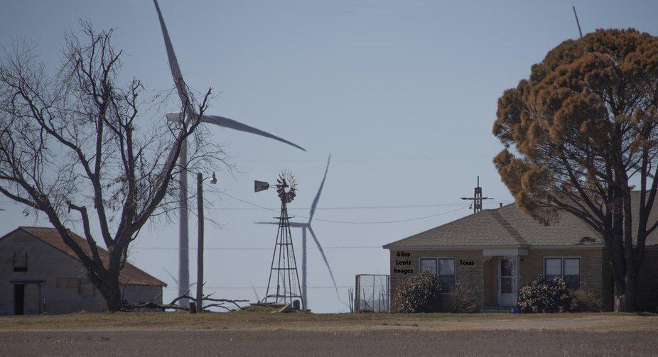 Windmill and windvane, Texas A16A4648