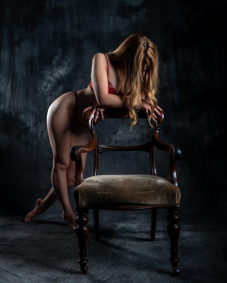 #lingerie #redlingerie #model #photooftheday #artoftheday #portrait #portraitphotography #portraitvision_ #art_of_portrait_photography #mood #redhair