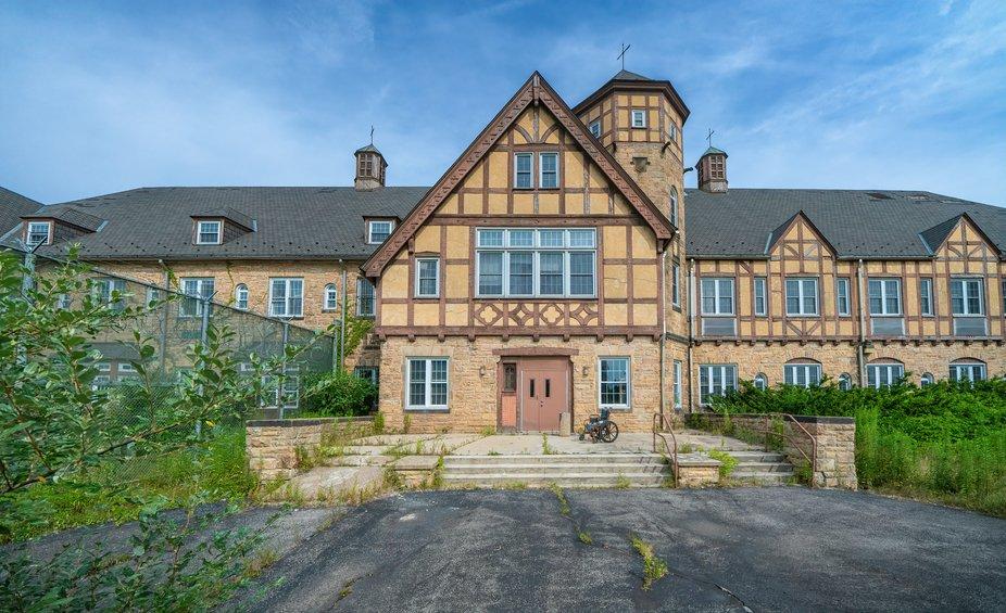 Maple House School