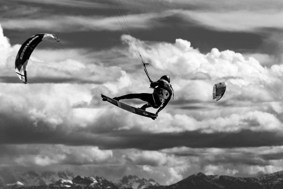 Kitesurfer @ Ammersee doing a big jump