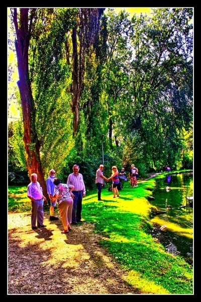 Relaxation with Samana in #Tienen Samana is an organization of Informal Caregivers. Here are the photos of the trip to Het Vianderpark in Tienen. B by Theo-Herbots-Fotograaf