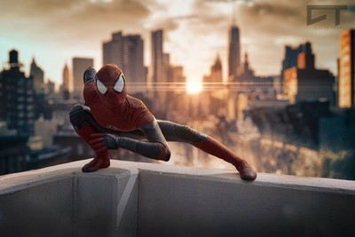 Spiderman goes knto action.