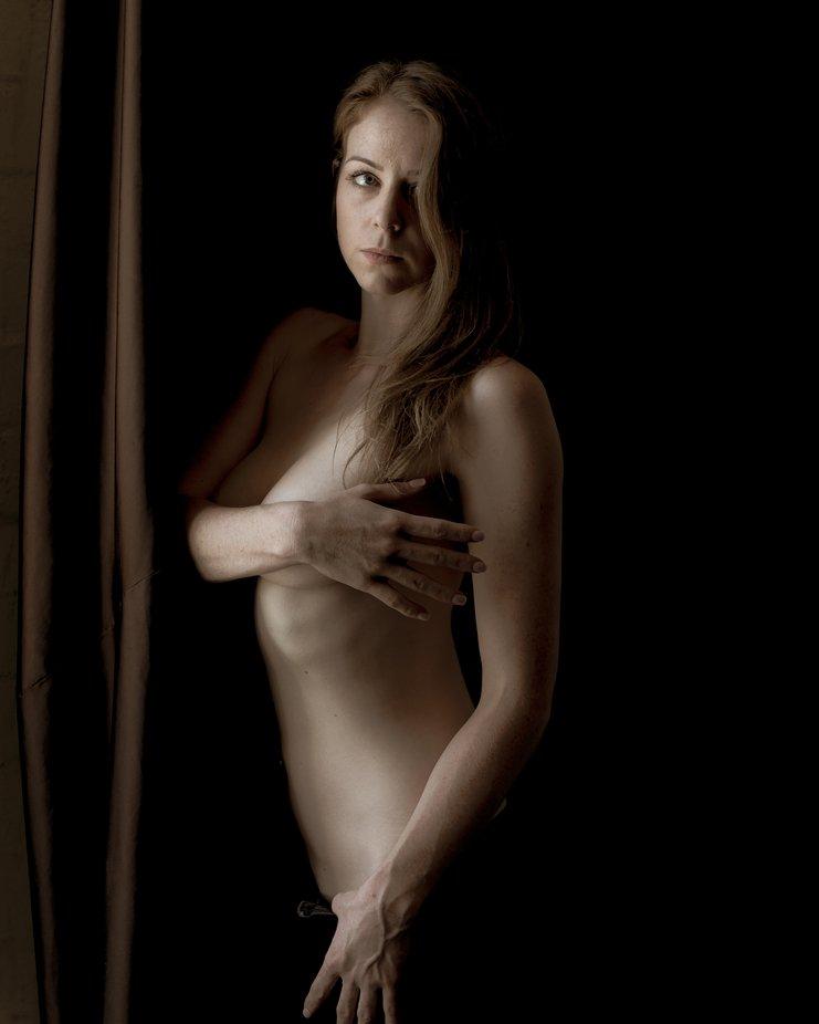 #portrait #photooftheday #photoshoot #femalemodel #portraiture #fotografia #portraitphotographer #fashionphotography #portraitpage #modellife #backtolight #shooting #lingerie #blacklingerie #fitnessshoot #lingeriesensual #window #naturallight #modeling #lingeriemodel #fitgirl #fitgirls #fitnessgirl #naturallook #tonyzaraphotography #tonyzara @tonyzara